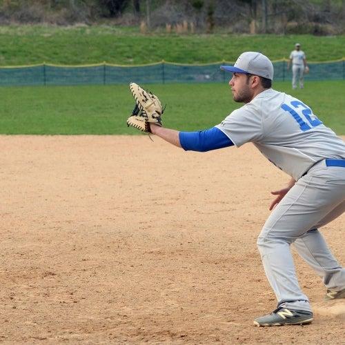 First baseman receiving the throw